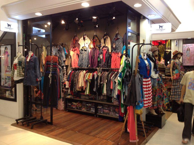 a small Bangkok clothing shop